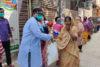 Die CSI-Partner in Bangladesch haben rasch reagiert und 750Familien ein Lebensmittelpaket überreicht. Jhorna Adhikary, eine der Hilfsempfängerinnen: «Ich weiss nicht, was ich ohne Ihre Hilfe meinen beiden Kindern heute Abend hätte zu essen geben können.» (csi)