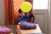 Syrien: Danke für den Schulrucksack! Hundert körperlich oder geistig beeinträchtigte Kinder und Jugendliche dürfen in Homs ein Tageszentrum besuchen, wo sie gezielt gefördert werden. Ohne das Zentrum wären viele Kinder zu Hause eingesperrt, weil die Eltern ratlos sind, wie sie sie beschäftigen können oder sich sogar für sie schämen. (csi)