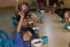 Nicaragua: Kinder aus Slums bekommen täglich gratis zu essen; jüngere können einen Kinderhort besuchen; bedürftige Schulkinder erhalten die obligatorische Schuluniform und Schulmaterial. Zusätzlich unterstützt CSI zwei Heime für gefährdete Mädchen, wo sie sicher aufwachsen und eine Ausbildung machen können. (csi)