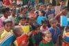 Bangladesch: Grosse Freude über das neue Schulmaterial! Die von CSI unterstützte Schule ist eine Alternative zu den Koranschulen. (csi)