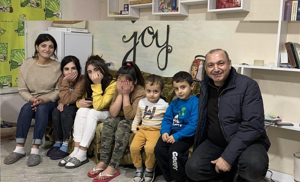 16_Web_Hovanian-family-from-Shusha