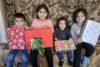 Unendliche Freude übers Weihnachtsgeschenk bei diesen Kindern aus Stepanakert (csi)