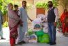Auch diese Familie aus Karatschi ist dankbar für die Lebensmittel, die sie vom CSI-Partner erhalten hat (csi)